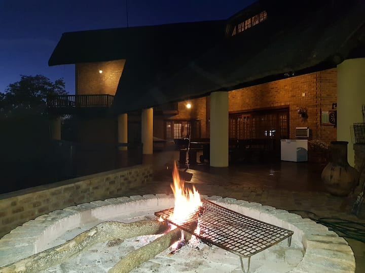 Tholo Private Game Lodge, Mabalingwe
