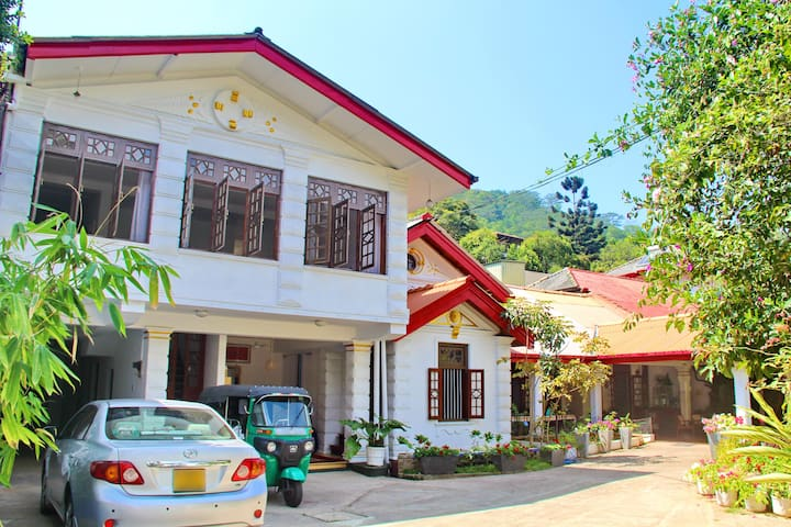 Fortune House Kandy - Kandy - Bed & Breakfast