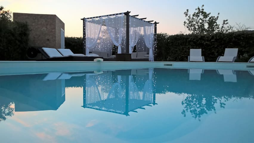 VILLA ERICA GARDEN AND PRIVATE HEATED POOL - Oletta - Vila
