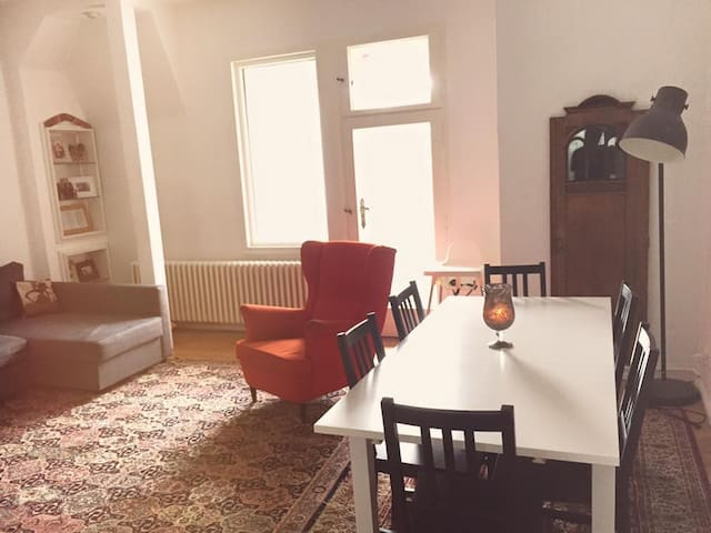 Spacious Flat while we are out of town. - Berlín - Pis
