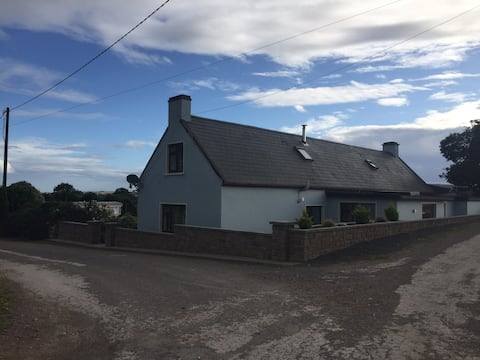 1: Cosy Stay in Farm House located beside the Sea