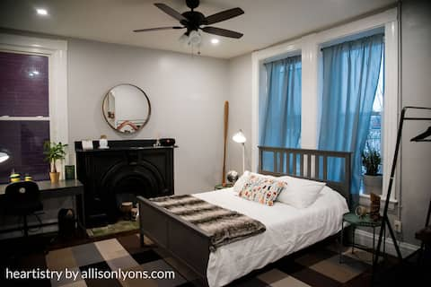 Cozy Covington Studio!