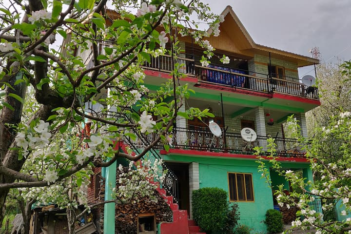 Apple Blossom - A local homestay in lap of nature