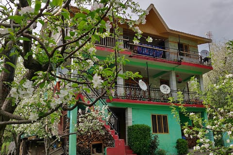 Apple Blossom - Homestay with amazing views