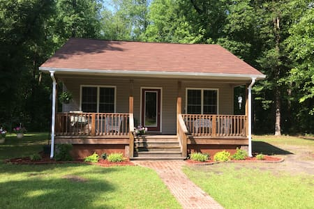 Country Cottage near New Bern and Neuse River