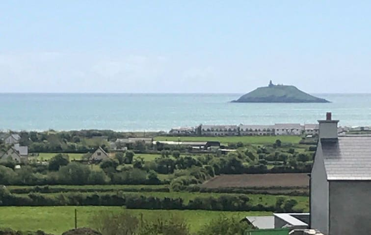 Cozy Cottage overlooking Ballycotton Bay