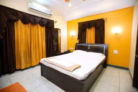 Cozy Room in Elite area of Nagpur..