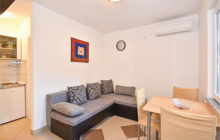 Holiday apartment with 1 bedroom on 25m² in Necujam