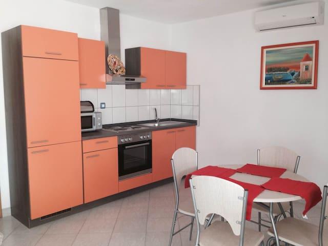 Apartment Ella 1 - Maslinica - Apartment