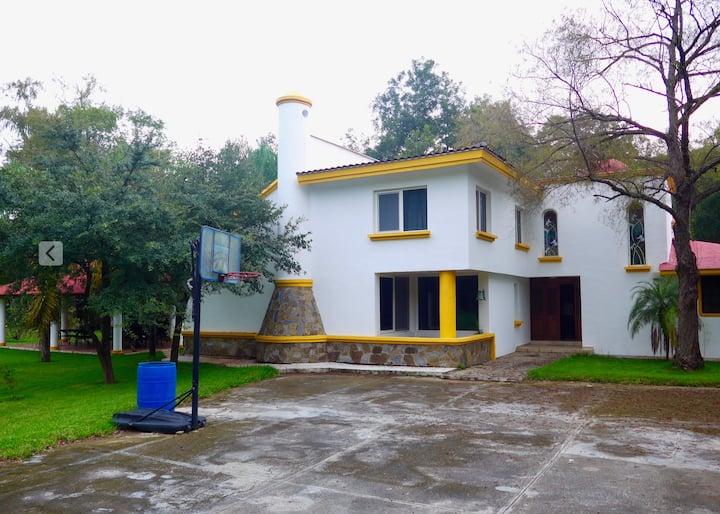 Villa Cristina (Propiedad PRIVADA para el huésped)