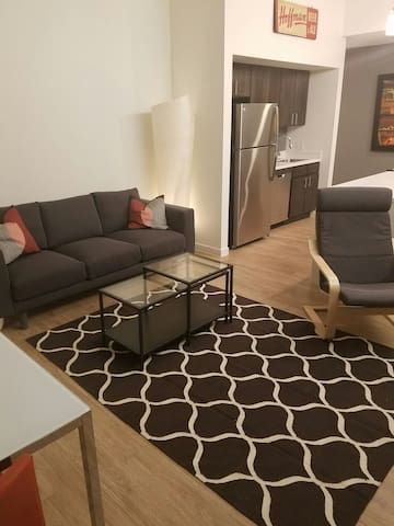 Luminous 2 br in trendy Brookside! - Kansas City - Apartment