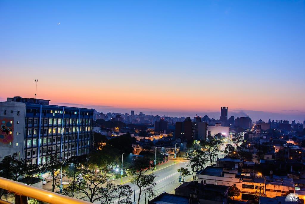 Maravillosa Vista del amanecer, desde el balcón