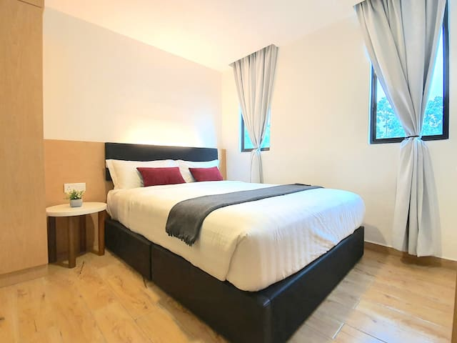 Malacca | Melaka Raya Hotel Queen Suite [2 Pax]
