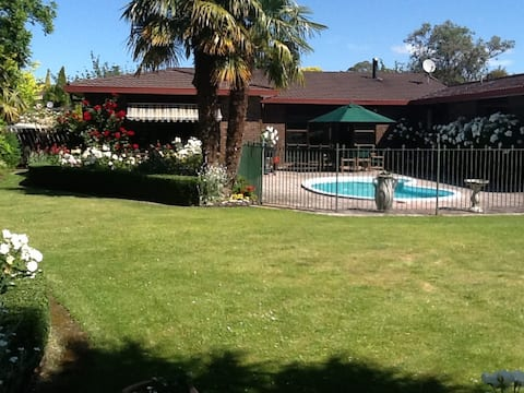 Rose Haven in Havelock North B&B
