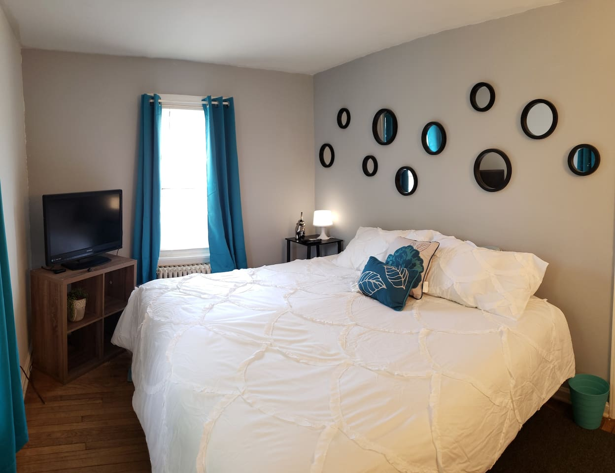 Bedroom with fresh linens. Television is also provided with Netflix, Hulu, and all of your favorite streaming channels.