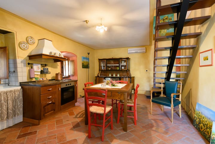 """Il Ghianderino""3 sleeps apartment - Laterina - Pis"