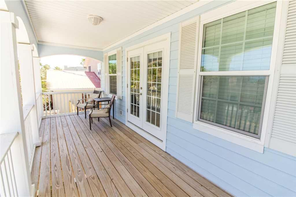 Visit the beautiful balcony at Avery's Ocean Breeze A for a breath of fresh Florida air. - The beautiful balcony, complete with p