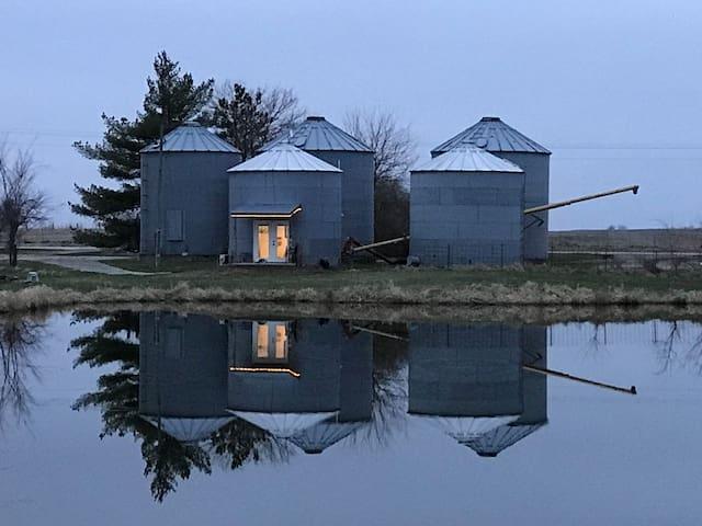The Silos at Prairie Vale- lil Silo on the Prairie