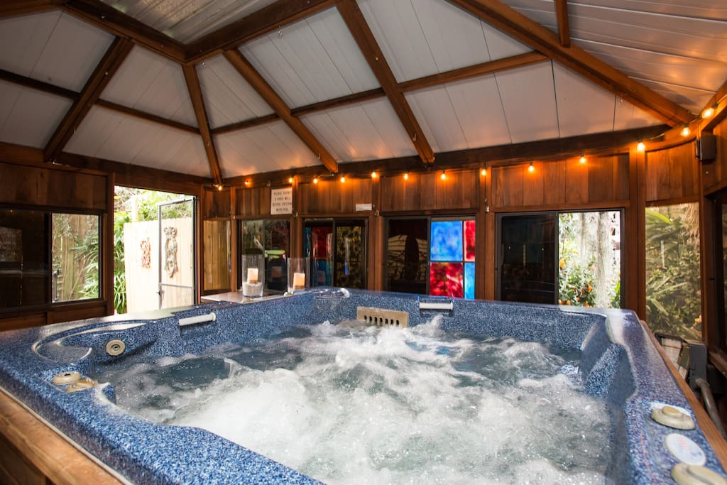 Luxury Home With Hot Tub And Central Heat Near Fq Houses