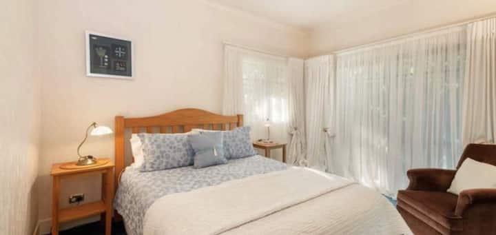 Olive Rabbit, Bed & Breakfast, Room 1 - Queen