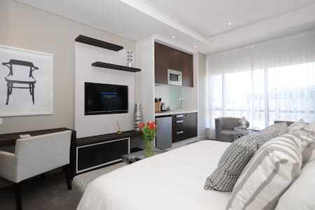Luxury Apartment, Sandton Central - Sandton - Wohnung