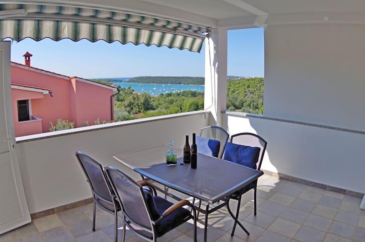 "Holiday apartment ""Iris"", sea view - Banjole - Pis"