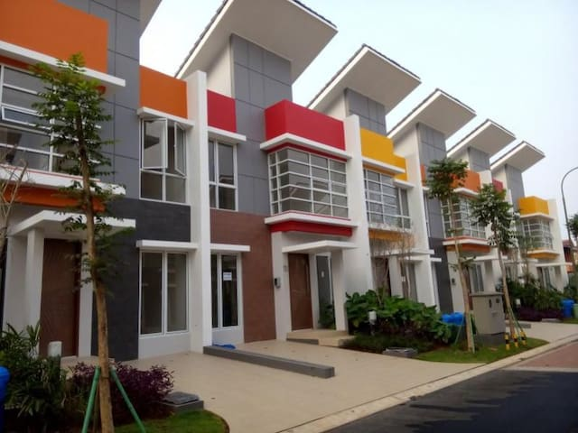"Guest House ""Milano Village"" Gading Serpong"