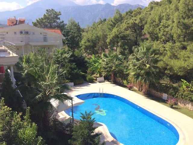Spacious Villa Karmen. Hidden garden in Kemer