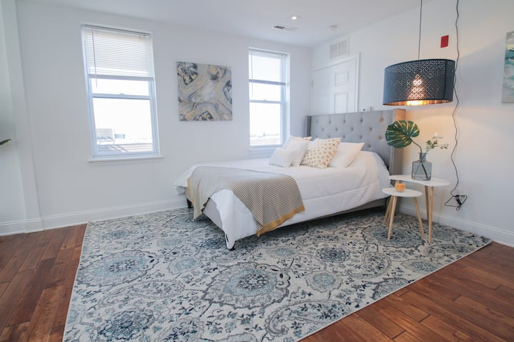 SuperStudio! Point Breeze-Sleeps 4-Free St Parking
