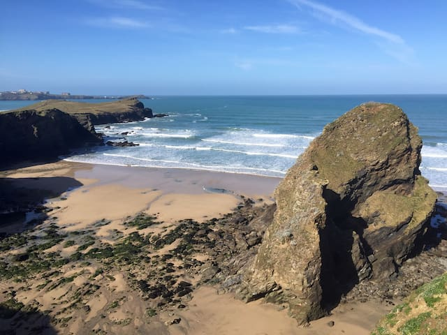 Cliff top apartment, full sea views - Newquay - Daire