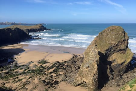 Cliff top apartment, full sea views - Newquay