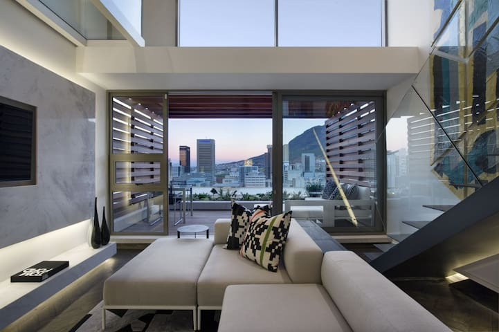 Ultimate Style & Luxury in the City! - Cape Town - Apartment