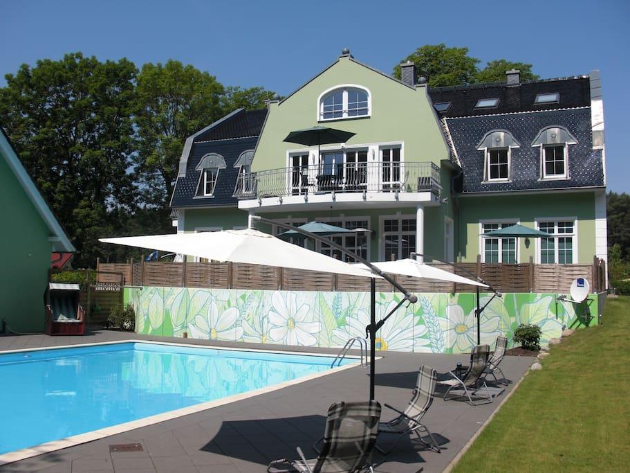 Gutshaus Koldevitz mit schönem Poolbereich