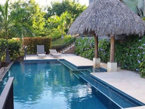 Azul Paraiso 4A Luxury Villa with Oceanview