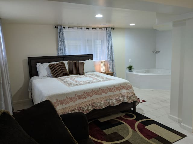 Delux Room with Jacuzzi near FDA and Army center