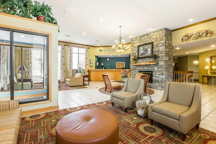 Charming Quadruple Two Double Beds At Cherokee