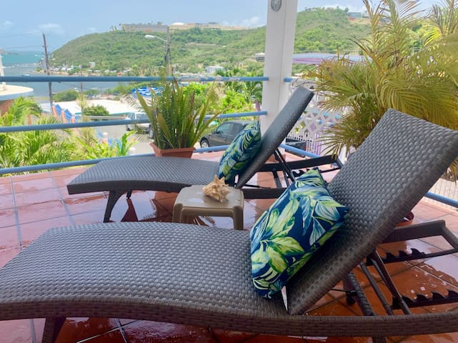 Apt Big Private Deck Caribbean Sea Views & AC