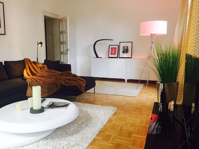 Spacious, Luxury & Sunny Apartment + Free Parking - Wiesbaden - Pis