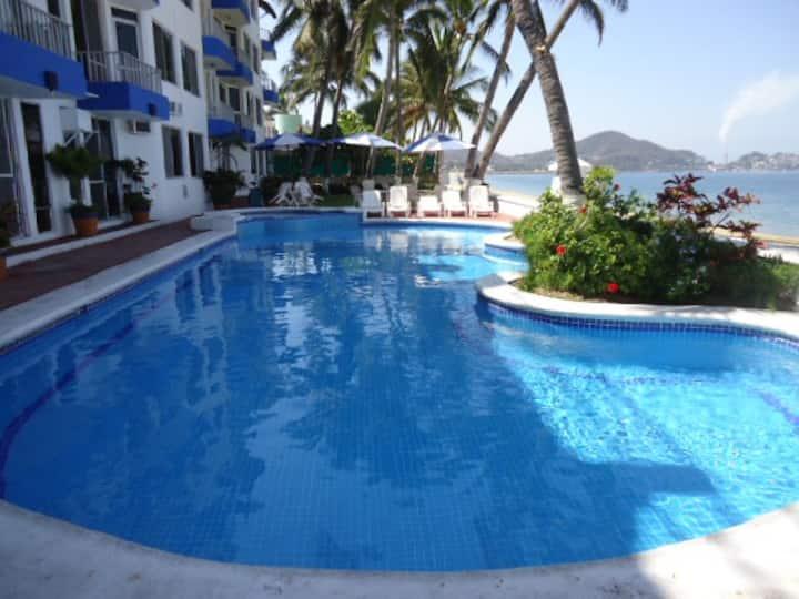 Beachfront PH in Las Brisas Manzanillo 30 day MIN.