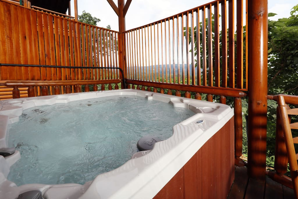 Majestic Mountain Pool Lodge-Hot Tub