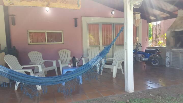 Hermosa Casa en Country a pasos del Río Paraná