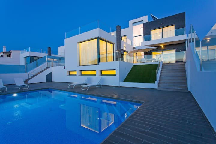Exclusive Ultra-Stylish Villa, close to Vilamoura