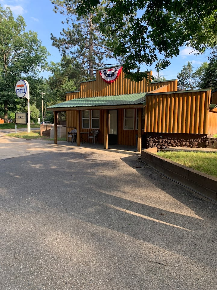 Clear Lake Lodge 2 * Close to Lake and Bar