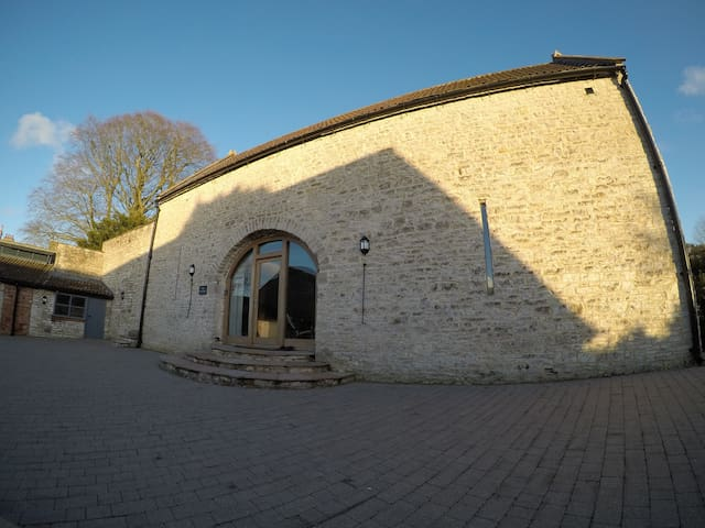 Beach House Courtyard - The Dove Barn - Bitton - Casa