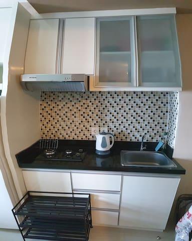 Kitchen area.. untuk pengaktifan kompor khusus untuk sewa bulanan