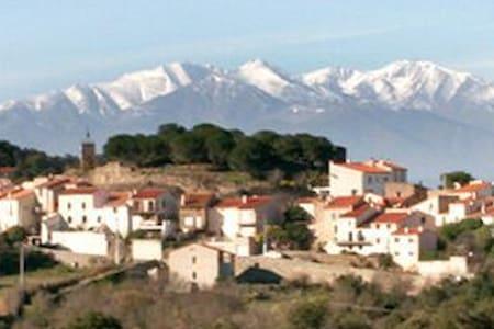 Appartement dans maison de village - Montesquieu-des-Albères - Flat