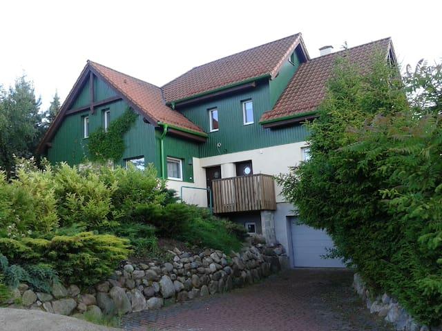 Dom nad jeziorem Brodno małe - kartuski