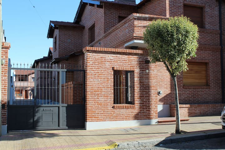 MC temporary rent in Tandil 4 pax/ free parking