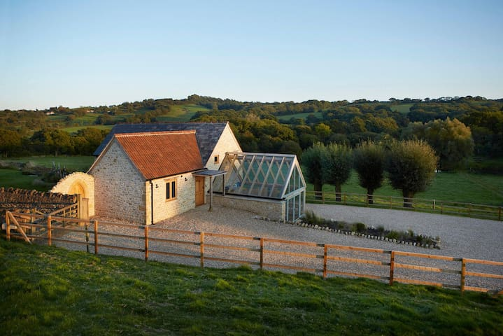 Luxury contemporary cottage on a Dorset estate in a peaceful AONB