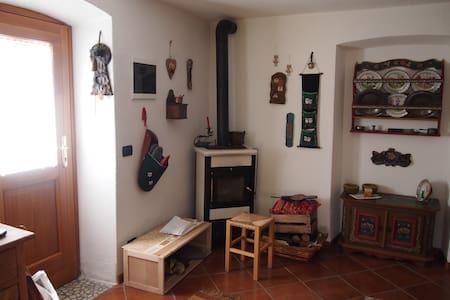 Grazioso appartamento con giardino a Caviola
